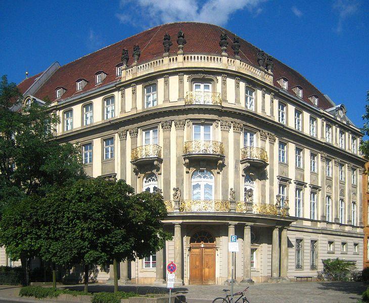 El Ephraim Palais